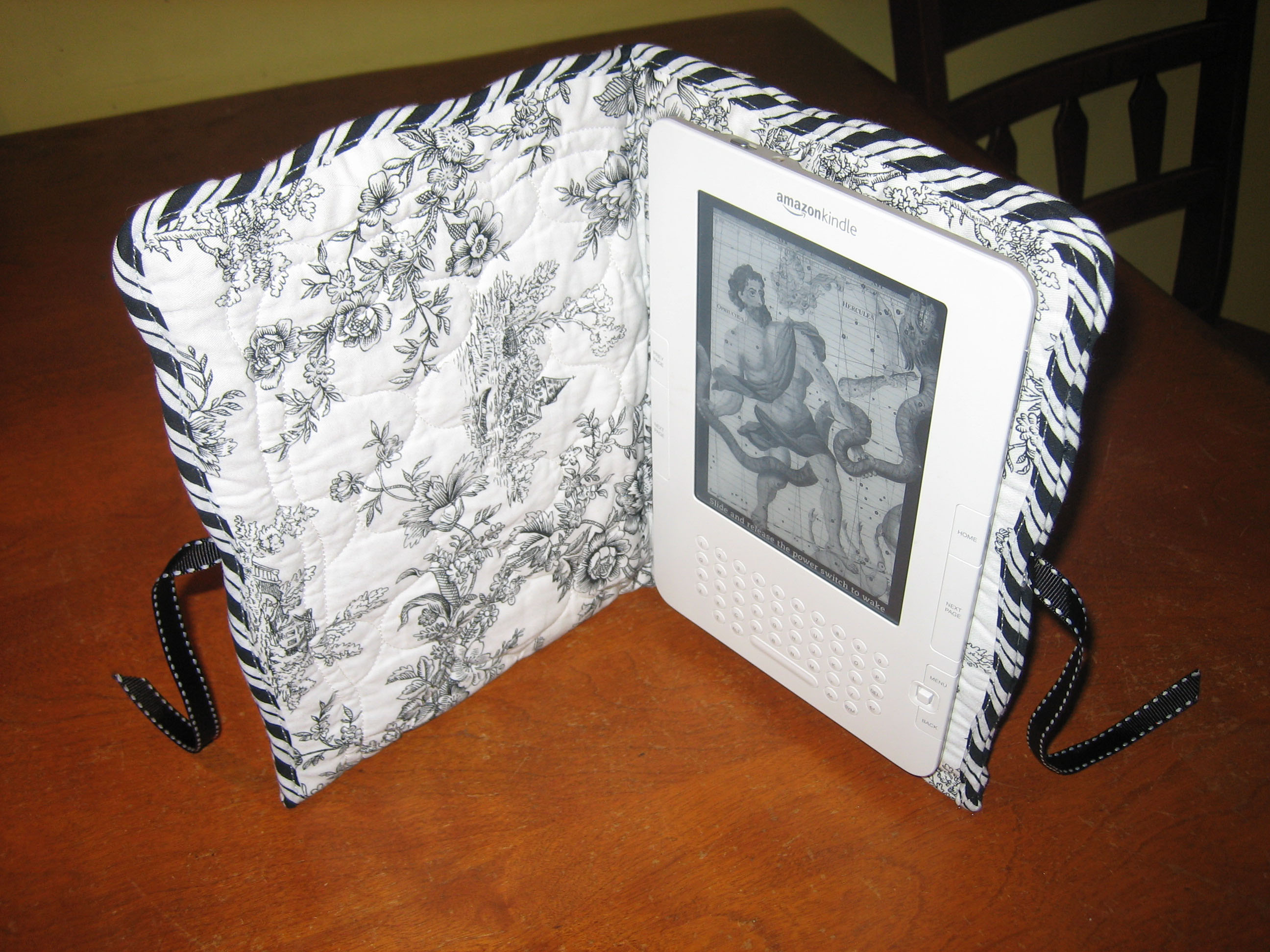 Kindle Book Cover Diy : C e grundler s easy no sew padded diy kindle cover
